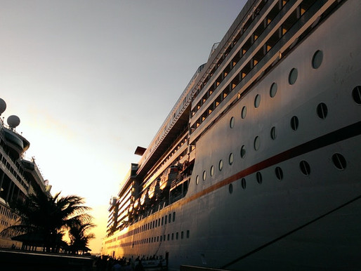 WHY A CRUISE SHOULD BE YOUR NEXT FAMILY REUNION