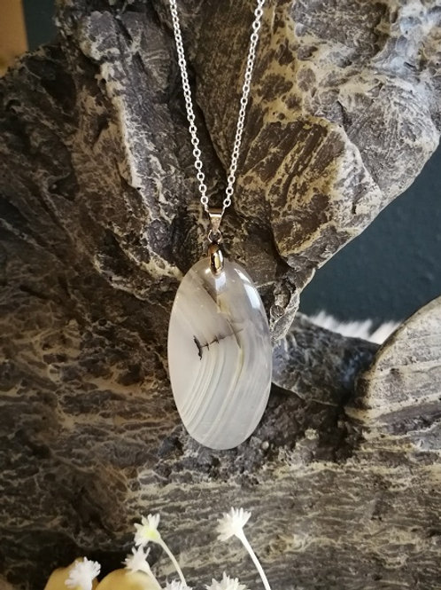 Scenic Dendrite opal m/halskæde