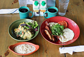 Whole30 #BrunchGoals 🍽🙌🏼 Looking forw