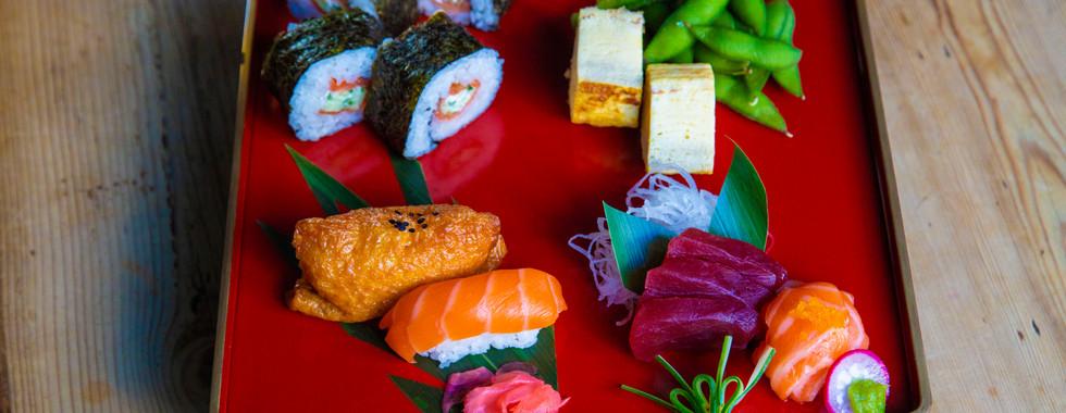 ARIGATO JAPANESE CUISINE - MIX SUSHI SASHIMI PLATTER