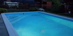 medence új