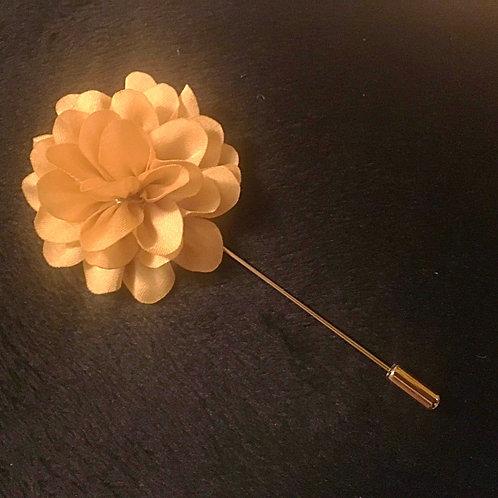 Tan Daisy floral lapel pin