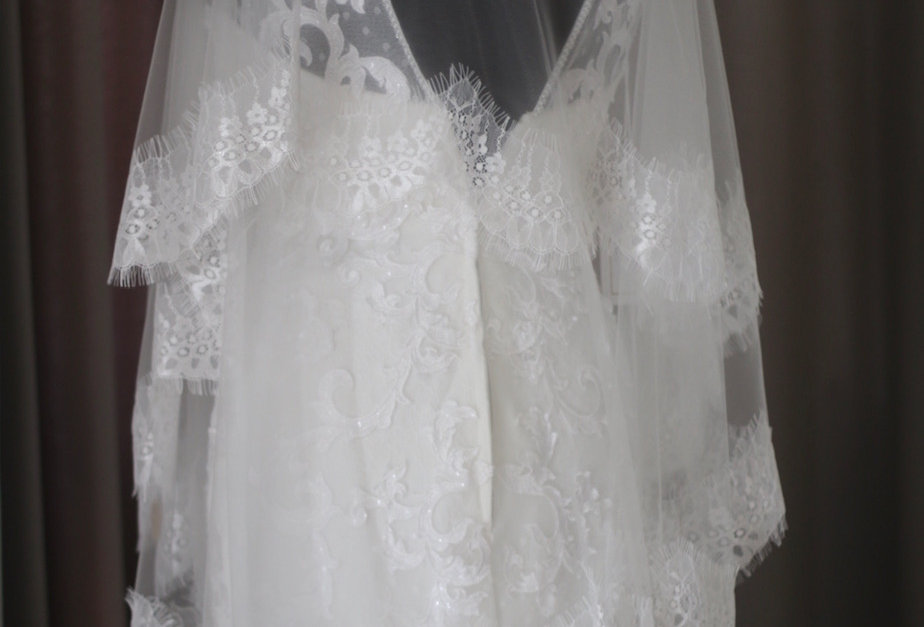 Short veil with Scallop Lace