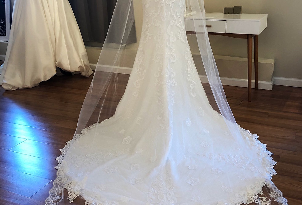 Floral Lace Long Veil with Comb