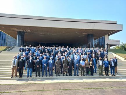 Visita à Academia Militar das Agulhas Negras com integrantes da CAVES e da Associação Comercial/SP