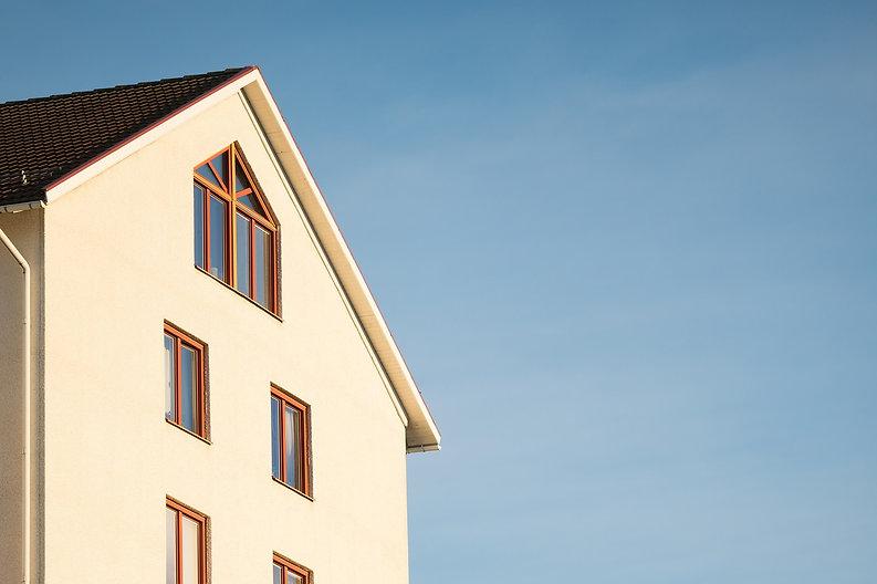 house-1946371_1920_edited.jpg