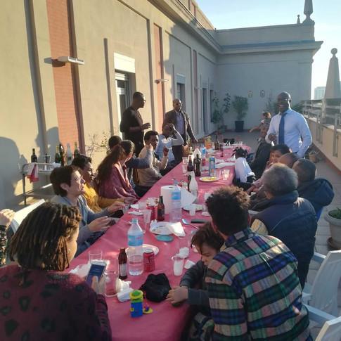 1 de enero 2020, reunión habitual de la comunidad de haitianos en la comunidad valenciana para compartir la tradicional sopa de auyama, el plato más tradicional de la cultura haitiana