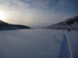 sled_snegohoda_na_ohote_na_gluharja