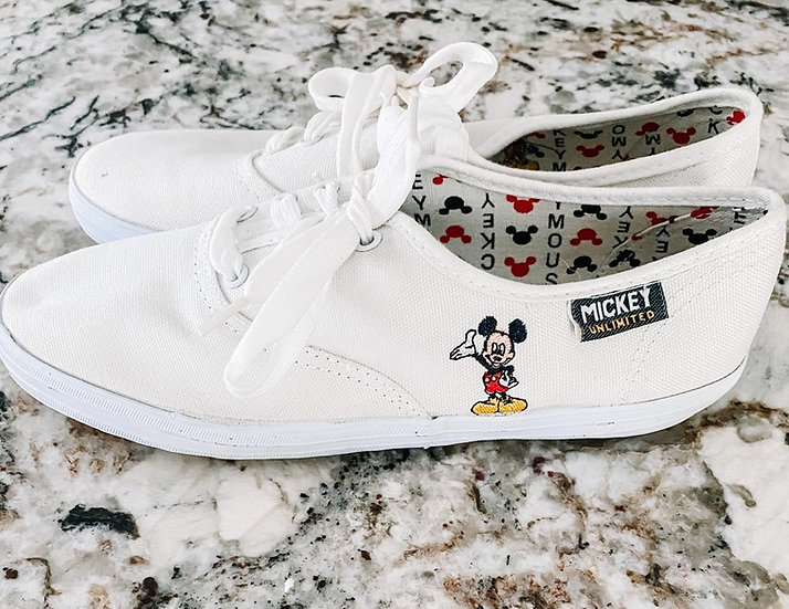 M Sneakers