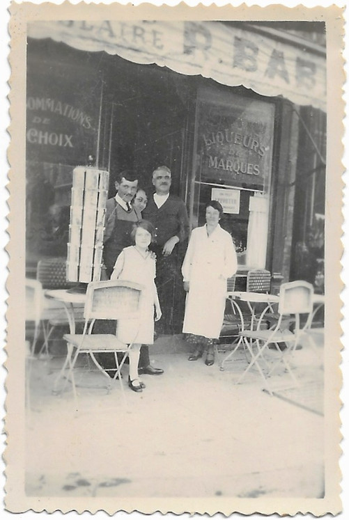 Grand-Ma (yound girl) with familly front of the Cafe/Bar in Trouville