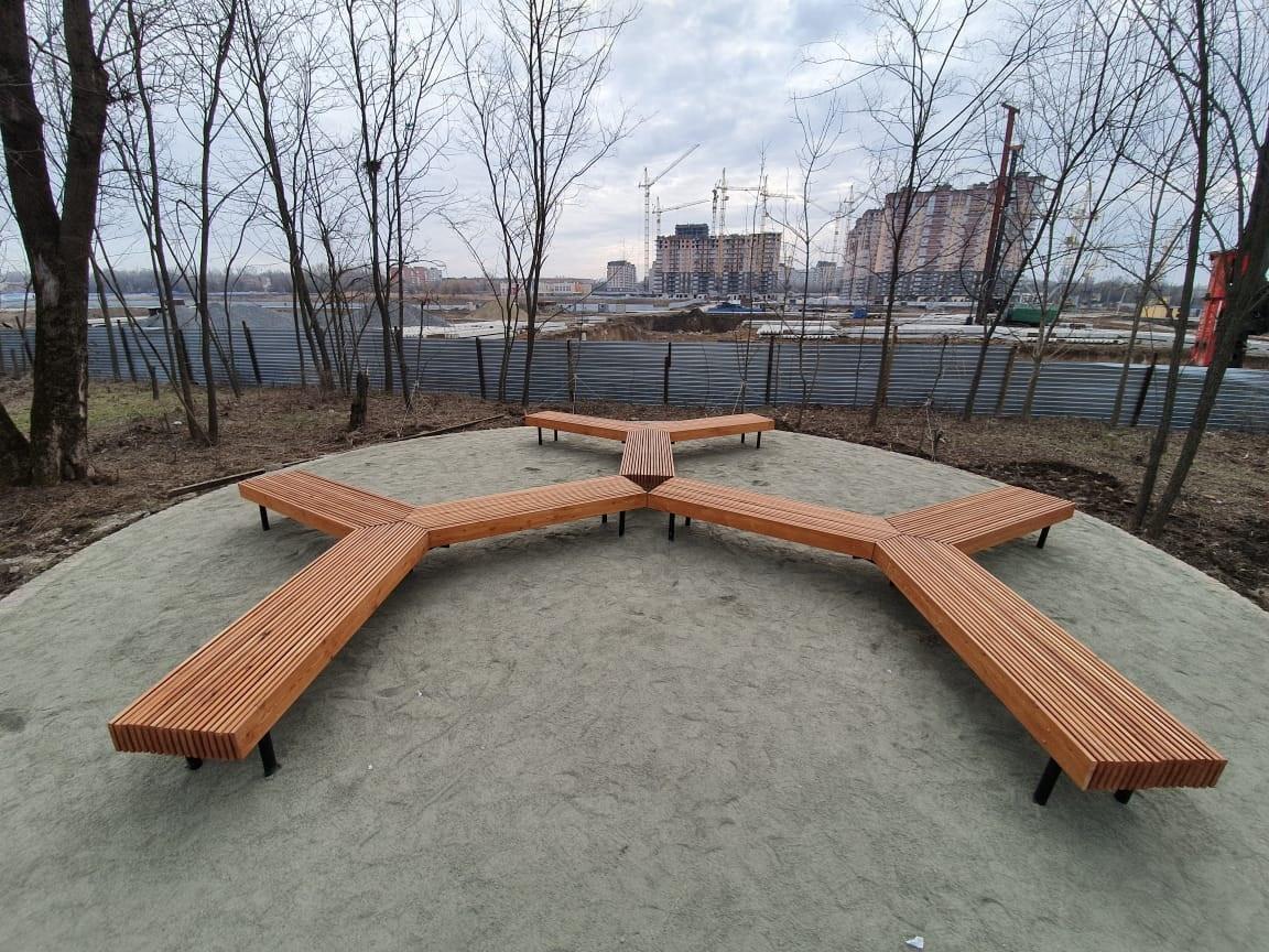 Скамейка трехлучевая
