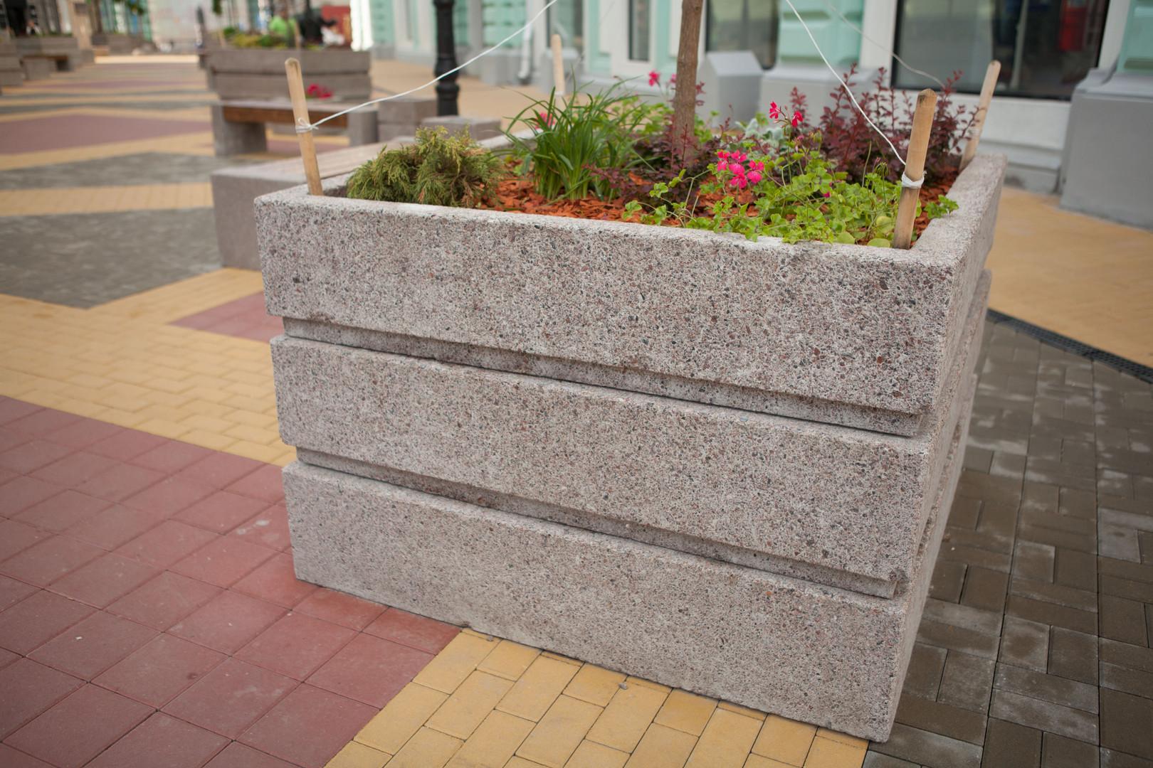 вазон для деревьев бетонный