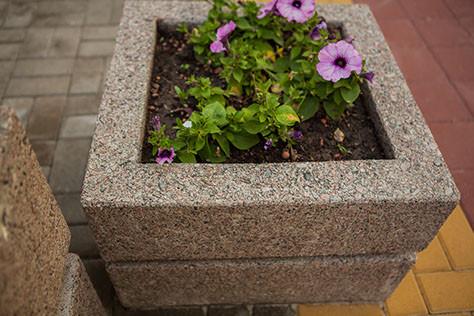 вазон для цветов бетонный