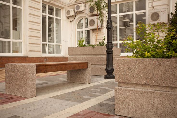 Скамья без спинки бетонная