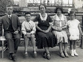 Kitty Hart-Moxon family photograph c 193