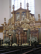 Bevis_Marks_Synagogue_cc.jpg
