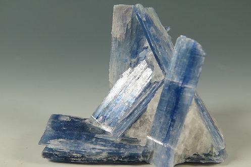 カイヤナイト kyn-3004