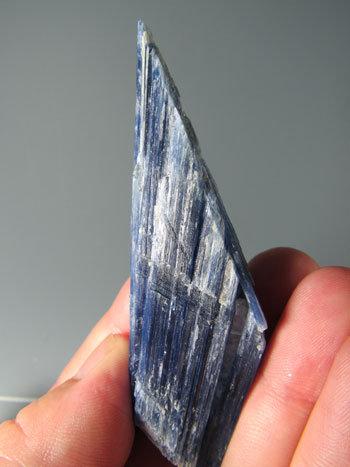 カイヤナイト kyn-5028