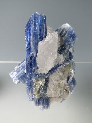 カイヤナイト kyn-5027
