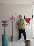 Revista F: Artesão cria ateliê em casa para expor sua arte