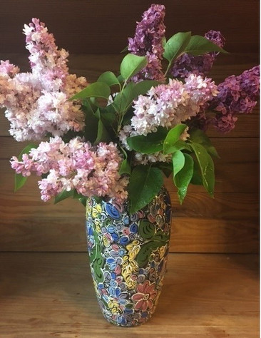 Vase with lilacs