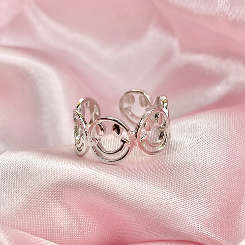 Silver Groovy Smiley Face Ring