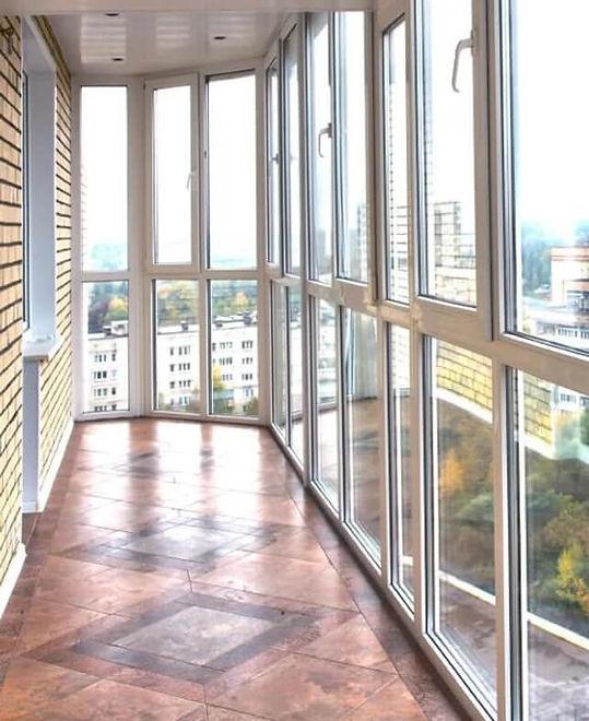 Панорамне скління балкона