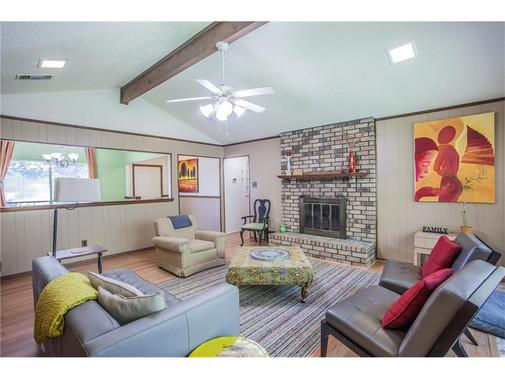 Living area .jpg
