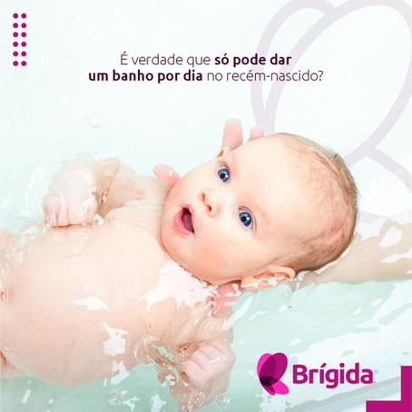 É verdade que só pode dar um banho por dia no recém-nascido?