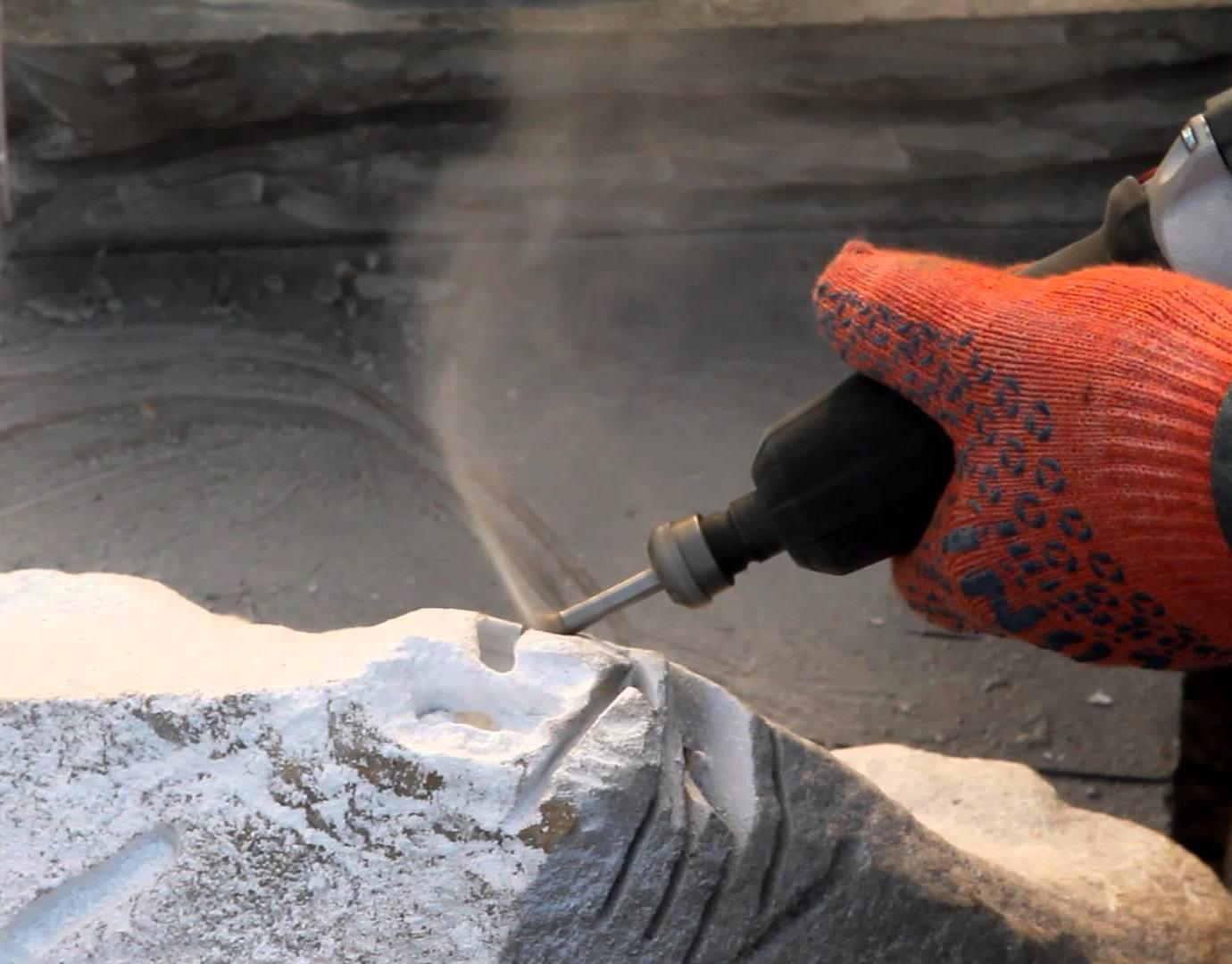 Обработка гранита ручным фрезером
