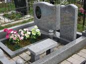 granitnyy-nadgrobnyy-pamyatnik-serogo-cv
