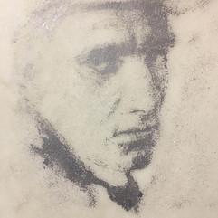 Гравировка портрета на мраморе