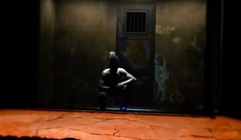 """Création et conception de la scénographie de """"Tropique de la Violence"""" de Alexandre Zeff"""