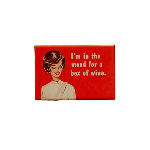 Box of wine magnet