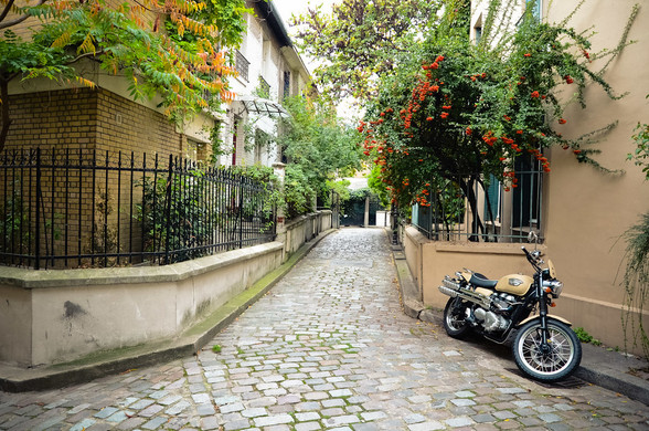 Unique ways to discover Paris