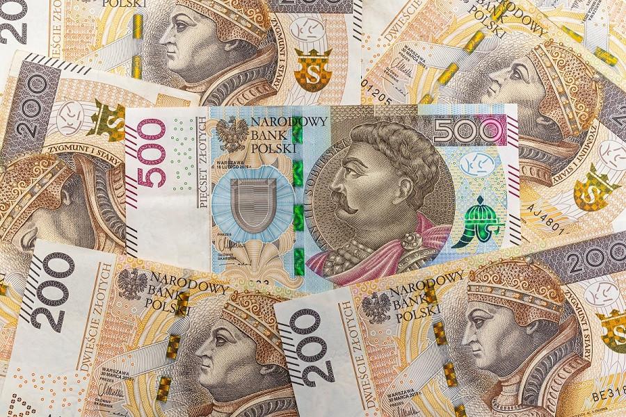 Зло́тий (пол. złoty) — національна валюта Польщі.