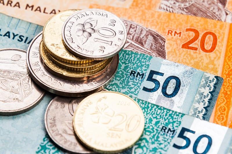 Малайзійський рингіт (малай. Ringgit, буквально: зазубрений; код валюти: MYR, символ: RM) — офіційна валюта Малайзії.