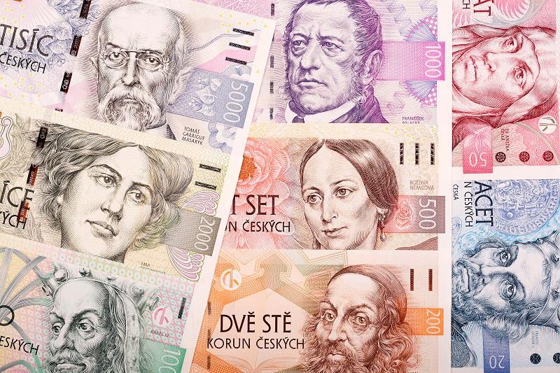 """Че́ська кро́на (чеськ. Koruna česká; «koruna» означає «корона», читається як [ˈkɒrʊnə] — «коруна») — офіційна валюта Чехії, введена в обіг в 1993 році замість чехословацької крони. Літерний код — CZK. Скорочений символ — Kč, розміщується після цифрового значення (наприклад """"50 Kč""""). Ділиться на 100 гелерів (скорочено «h», чеськ. haléř), хоча монети останніх вже не використовуються але можуть зазначатися в електронних розрахунках. Центральний банк — Національний банк Чехії."""