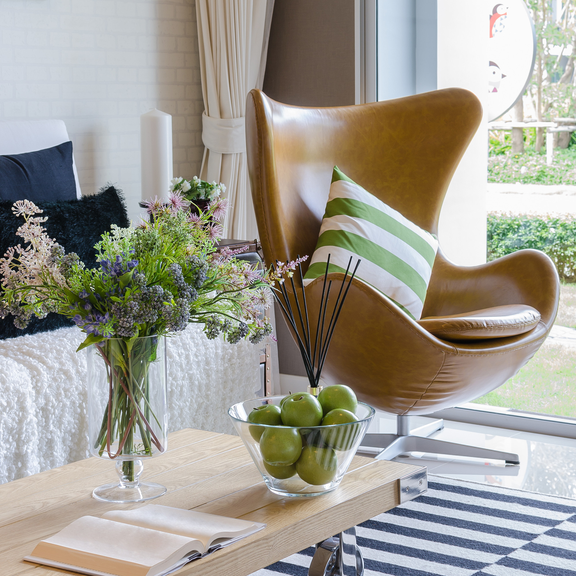 Staging + Decorating