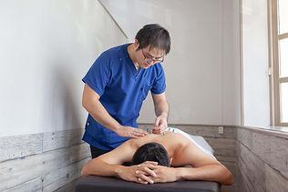 鍼灸師の出張イメージ