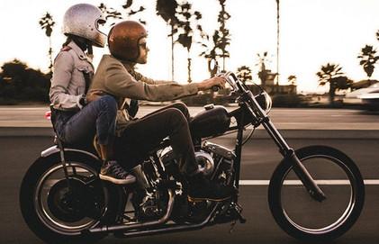 Consejos para disfrutar viajando de pasajero en moto