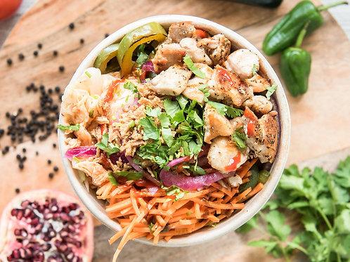 Bowl Asian style met tender Chicken