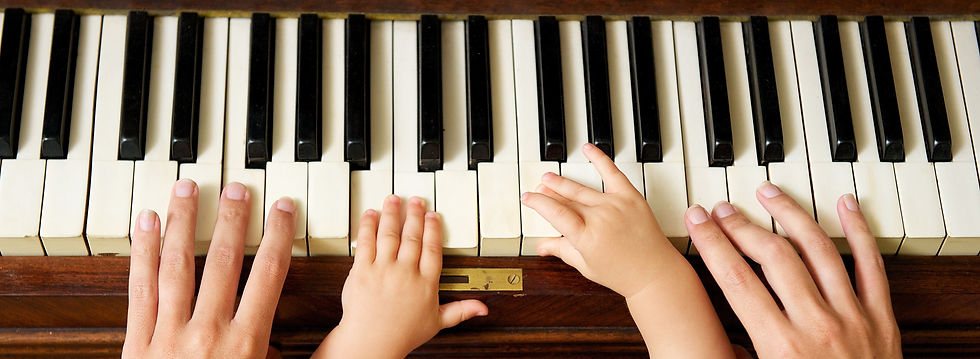 Baby%20and%20Adult%20Hands%20on%20Piano%
