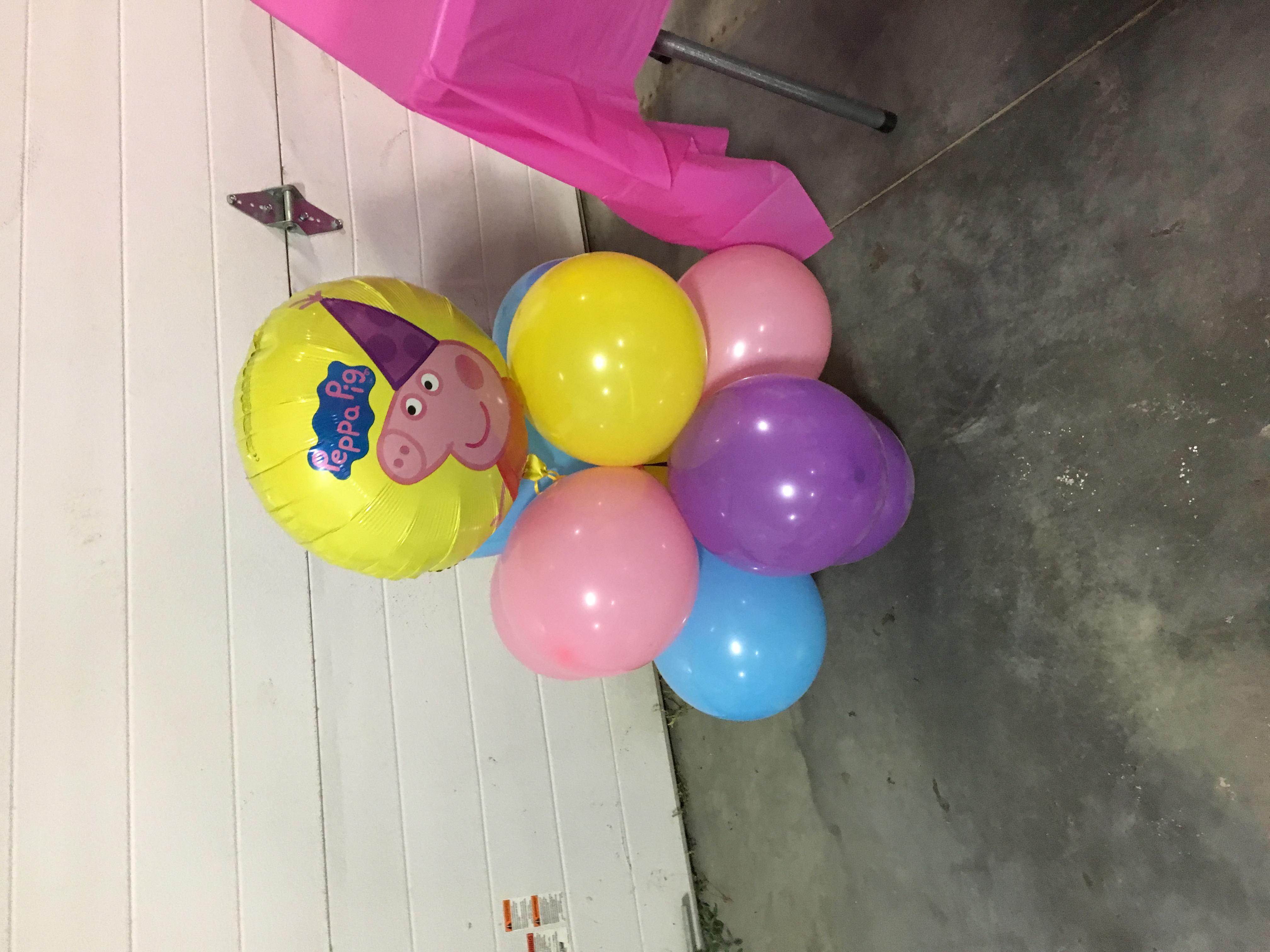 Large Balloon centerpiece W/ Foil