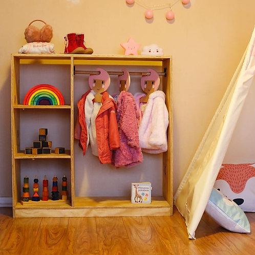 Closet Montessori