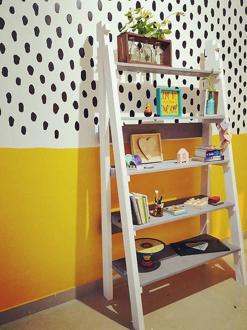 Wooden Leaning Bookshelf (Ladder Style)