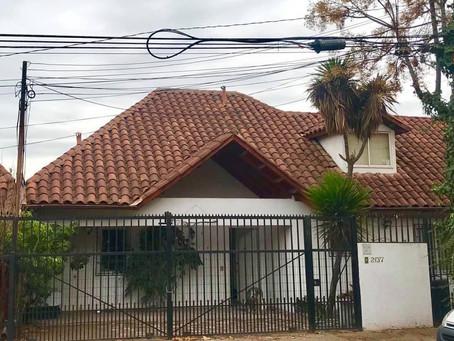 Venta de Casa de 2 Pisos en Peñalolén.