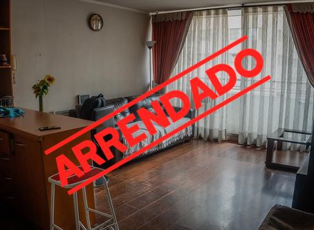 """Se arrienda Departamento """"amoblado"""" en Edificio Agustinas Plaza, Santiago Centro."""