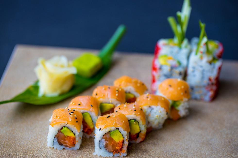 2 saumon maki & Ebi roll maki