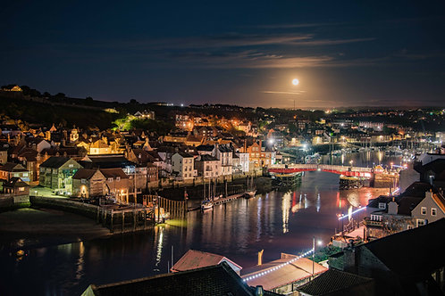 harbour moon lit canvas